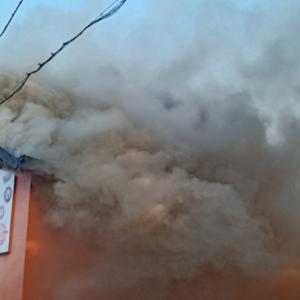 Голям пожар в пловдивски склад за сладкарски изделия