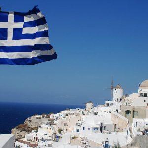 Гърция обмисля да върне пълната карантина заради коронавируса