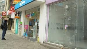 Заради пандемията – магазини масово затварят врати в центъра на Бургас