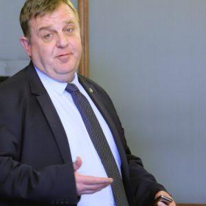 Каракачанов не бил давал акъл на Гешев