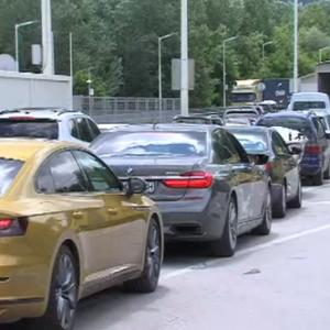 Опашки за Гърция: Пропускането на автомобилите се бави заради COVID мерките