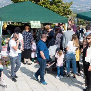 Осмият фестивал на кестена събра стотици в петричкото село Коларово