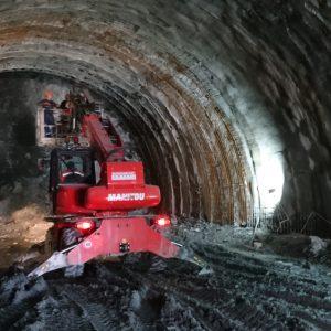 """Прокопани са първите 400 метра от тунел """"Железница"""" на АМ """"Струма"""""""