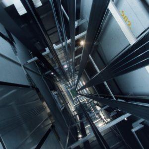 След пропадането на асансьор: Установиха нарушени мерки за безопасност в благоевградската фирма
