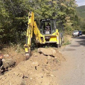 Стартира и ремонтът на пътя Белица-Семково