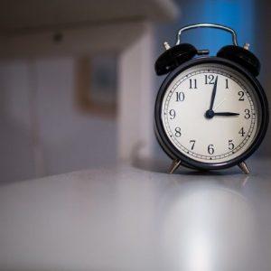 Тази нощ местим стрелките на часовниците с час напред