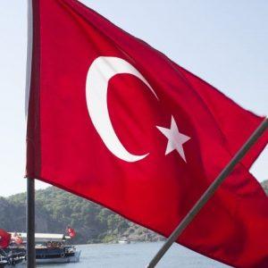 Турция въвежда нови мерки за ограничаване разпространението на COVID-19