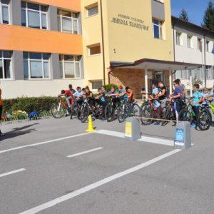 Ученици от Разлог показаха майсторски умения при управлението на велосипед