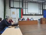 Председателят на Търговско-промишлена палата- Благоевград настоявал за затваряне на заведенията. Кризисният щаб отказа и въведе само ограничение за работното време